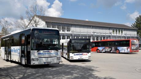 Die rege Busverkehr in Weil ist einer Sonderregelung geschuldet, die sich aus dem Verbund mit der Mittelschule in Kaufering ergibt.