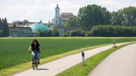 Östlich der Heinrichhofener Straße und nördlich der Biogasanlage soll ein Gewerbegebiet entstehen. Die Gemeinde Egling weist eine Fläche von rund drei Hektar aus.