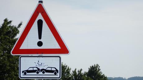 Eine Autofahrerin hat am Montag zwischen Eching und Zankenhausen einen Frontalzusammenstoß mit einem anderen Wagen verhindert.