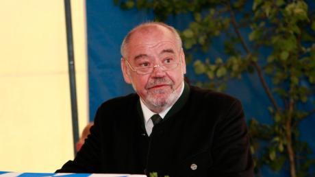 Echings Bürgermeister Siegfried Luge wurde im Gemeinderat kritisiert. Jetzt rechtfertigt er sich.