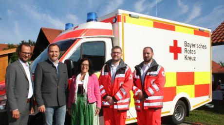 Freude in Reichling (von links): BRK-Geschäftsführer Andreas Lehner, Landrat Thomas Eichinger, Bürgermeisterin Margit Horner-Spindler, Edgar Linder und Christian Haberkorn.