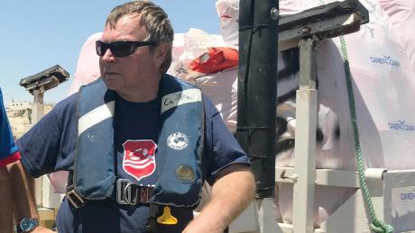 """Das Rettungsschiff """"Lifeline"""" saß im Sommer 2018 fast eine Woche auf dem Mittelmeer fest, nachdem es rund 230 Migranten vor Libyen gerettet hatte."""