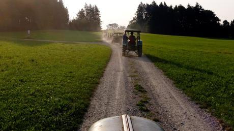 Über 70 Traktoren starteten in Reichling zur vierten Bulldogwallfahrt.