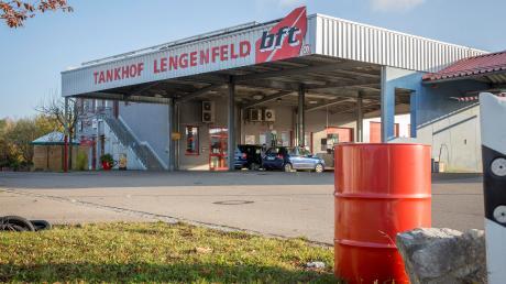 Beim Tankhof in Lengenfeld floss bei Kunden am Wochenende statt Benzin Diesel durch die Zapfpistole.