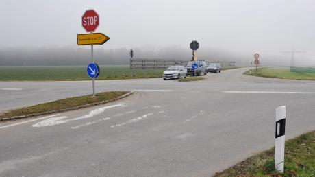 An der Kreuzung bei Gut Lichtenberg ereignen sich immer wieder Unfälle.Am Dienstagabend krachten dort drei Autos zusammen.