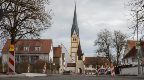 Der Dorfplatz in Prittriching wurde umgestaltet. Jetzt machen sich die Gemeinderäte Gedanken über die weitere bauliche Entwicklung im Ort.