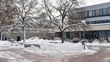 In den Schulen im Landkreis (im Bild die Johann-Winklhofer-Realschule) wird am Montag wieder Unterricht gehalten. Schneefrei gibt es dagegen im Landkreis Weilheim-Schongau