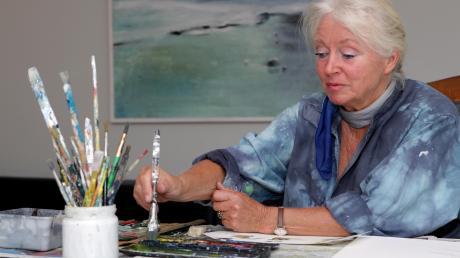 Mica Knorr-Borocco in ihrem Atelier in Utting. Farben und Licht sind ihre Leidenschaft.