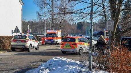Großeinsatz an der Grundschule Geltendorf. Dort hat es am Mittwochmorgen einen Brandalarm gegeben.