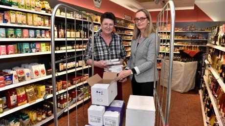 Seit zehn Jahren gibt es den Schlossmarkt in Windach. Sabine Schauz (links) und Geschäftsführerin Britta Renner sind von Anfang an dabei.