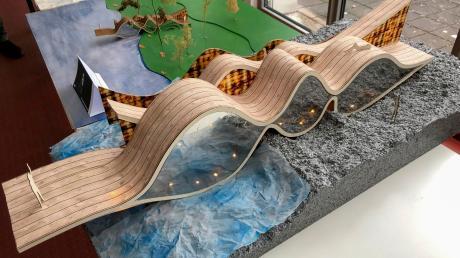 """Augsburger Hochschulstudenten haben sich in einem Wettbewerb Gedanken über Saunahäuser gemacht.DasModell trägt die Bezeichnung """"Die Welle""""."""