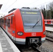 Notarzteinsatz am Geltendorfer Bahnhof. Deshalb kommt es zu Problemen im Zugverkehr.