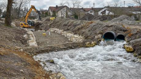 Am Verlorenen Bach wird noch bis Mitte des Jahres der Hochwasserschutz verbessert. Die Gemeinde Prittriching hat für die Maßnahme im aktuellen Haushalt über 400000 Euro eingestellt.