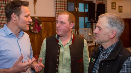 Ludwig Hartmann (links) im Gespräch mit Michael Sanktjohanser (Mitte) Johann Drexl.