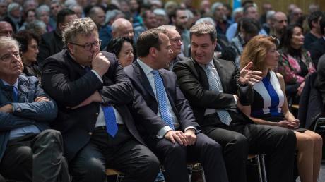 Ministerpräsident Markus Söder besucht den Landkreis öfters. Hier im Bild mitDr. Thomas Goppel, Axel Dorrow, Landrat Thomas Eichinger undGabriele Uitz.