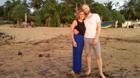 Verena Schöndorfer (im Bild mit ihrem Freund zwei Tage vor den Bombenexplosionen), Tochter von LT-Redakteur Dieter Schöndorfer, war zur Zeit der Terroranschläge auf Sri Lanka.