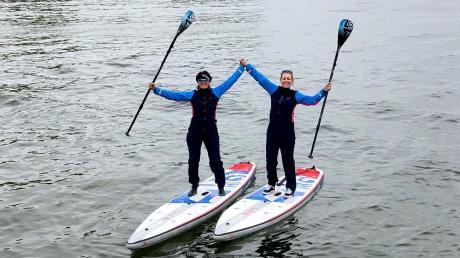 Bei Wind und Wetter sind Erna Stangl und Dagmar Taylor (rechts) auf dem Ammersee unterwegs. Jetzt machen sie sich auf nach Schottland, um dort mit ihren Stand-Up-Boards die Seen zu befahren.