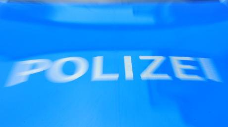 Tödlicher Unfall bei Pähl. Am Freitagnachmittag geriet ein Auto in den Gegenverkehr, ein Mann starb.