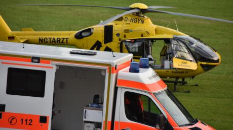 Nach einem Unfall zwischen Obermühlhausen und Hagenheim wurde am Dienstag ein schwer verletzter 47-jähriger Autofahrer ins Murnauer Unfallklinikum geflogen.