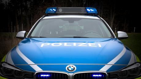 Junge Besucher eines Open-Air-Festivals am Hurlacher Baggersee beschäftigen die Polizei in den Morgenstunden des Sonntags.