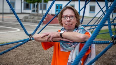 Heute wird Rektorin Ulrike Johannes in der Erpftinger Grundschule in den Ruhestand verabschiedet. Die 63-Jährige hat 40 Jahre lang erste und zweite Klassen unterrichtet und verbrachte ihr gesamtes Berufsleben in Landsberg.