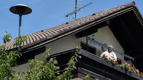 Keine zwei Meter unterhalb der Sirene wohnt Dirk Hirsch nun schon seit 22 Jahren. Jetzt unternahm er zusammen mit anderen Bewohnern einen Vorstoß, um eventuell Veränderungen an der Sirene zu erreichen.