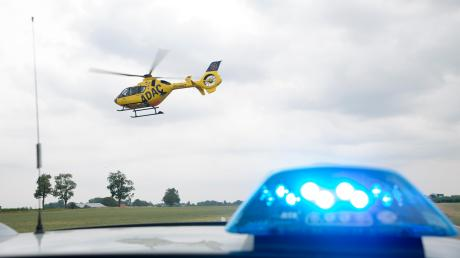 Ein schwerer Verkehrsunfall hat sich am Dienstagmorgen zwischen Rott und Apfeldorf ereignet.