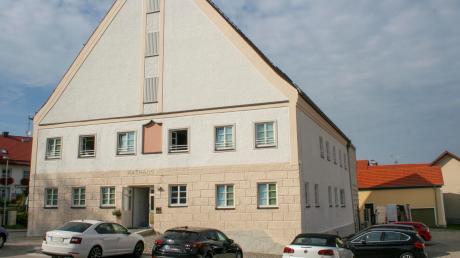 Aus dem ehemaligen Gasthaus Hirsch wurde das neue Rathaus in Denklingen. Die Behördenmitarbeiter sind umgezogen.
