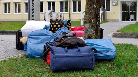 Ende 2014 und vor allem im Jahr 2015 erreichten Hunderttausende Flüchtlinge Deutschland. Auch im Landkreis Landsberg kamen Hunderte Menschen an.