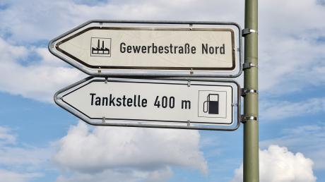 Das Gewerbegebiet in Hurlach ist seit der Eröffnung der B17 neu deutlich gewachsen. Bürgermeister Wilhelm Böhm rechnet damit, dass sich die Zahl der Arbeitsplätze weiter erhöht.
