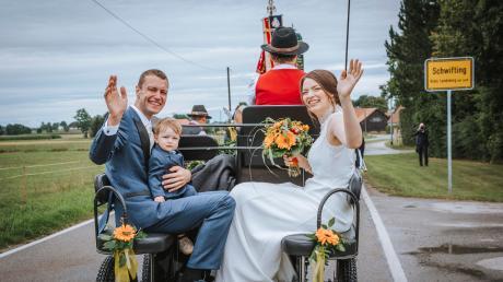 Mitte August haben Friederike und Georg Kaindl (mit Sohn Jakob) in die St. Pankratius Kirche in Schwifting geheiratet. Der 33-Jährige wird 2020 nicht mehr als Bürgermeister in seiner Heimatgemeinde antreten.