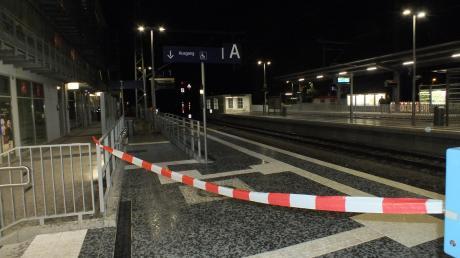 Am S-Bahnhalt in Buchenau hat ein 74-Jähriger einen 72-Jährigen mit einem Teppichmesser verletzt.