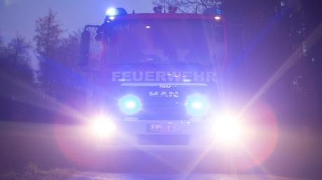 Zu einem Großeinsatz wurde die Feuerwehren am Freitagabend in Antdorf (Kreis Weilheim-Schongau) gerufen. Dort brannte ein Stadel.