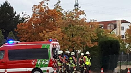 Ein 75-jähriger Fußgänger erlitt bei einem Unfall in der Carl-Friedrich-Benz-Straße tödliche Kopfverletzungen.
