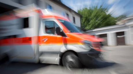 Ein schwerer Verkehrsunfall hat sich zwischen Schwabhausen und Ramsach ereignet.