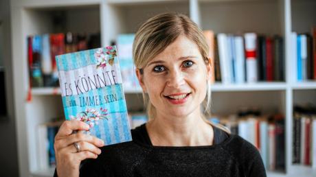 """Anja Langrock aus Igling ist Hobby-Autorin. Sie hat mit """"Es könnte für immer sein"""" ihren ersten Roman veröffentlicht."""