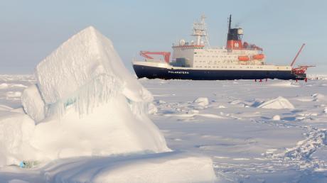 Auf dem Forschungsschiff Polarstern wird mit Seilspulsystemen der Firma Lebus gearbeitet.