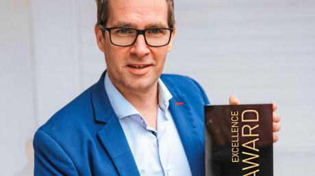 """Der Trainer und Speaker Andreas Hacker aus Landsberg gewinnt einen """"Excellence Award""""."""