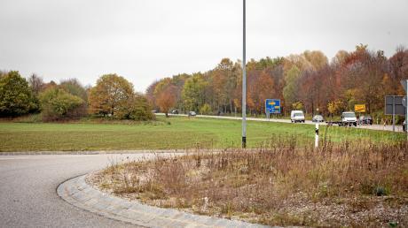 Der Landkreis möchte an der Münchener Straße auf dem Penzinger Feld eine Außenstelle für das Landratsamt errichten.