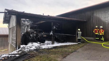 Bei einem Brand in einem Anbau in Reichling ist am Freitagmorgen ein hoher Sachschaden entstanden.