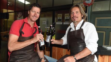 Martin Hug (links) und Claus Bakenecker schließen zum Jahresende den Schankbetrieb im Craft-Bräu. Ihren Gerstensaft werden die beiden Nebenerwerbs-Brauer aber weiter brauen.