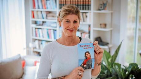 "Ulrika Schöllner aus Riederau und ihr Buch ""Transfrau? Ja genau!""."