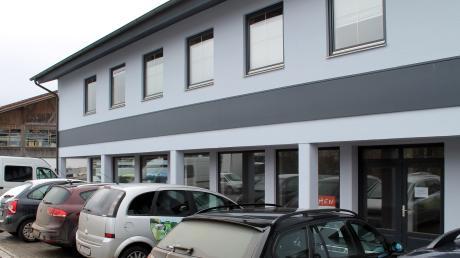In diesem Gebäude in der Fritz-Winter-Straße in Dießen wollte ein Unternehmer eine Spielothek einrichten. Das Vorhaben scheiterte jedoch vor dem Bayerischen Verwaltungsgericht in München.
