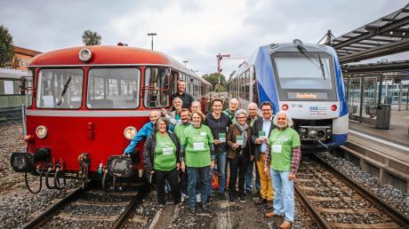 Anfang Oktober warb der Arbeitskreis Fuchstalbahn der Umweltinitiative Pfaffenwinkel in Landsberg für die Wiederbelebung der Bahnstrecke Landsberg-Schongau.