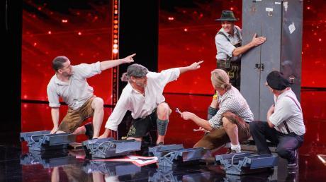 """Die Alpin Drums um den Riederauer Hans Mühlegg (zweiter von rechts) waren am Samstagabend in der RTL-Show """"das Supertalent"""" zu sehen."""