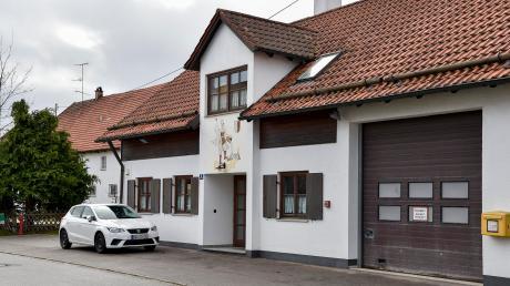 Das Schwiftinger Feuerwehrhaus wird im nächsten Jahr umgebaut und den aktuellen Bedürfnissen der Brandschützer angepasst.