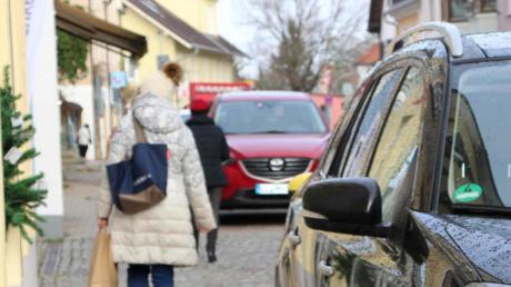 Gehwege nur für Fußgänger wünscht sich der Dießener Seniorenbeirat in der Prinz-Ludwig-Straße. Die Wirklichkeit stellt sich aber anders dar.