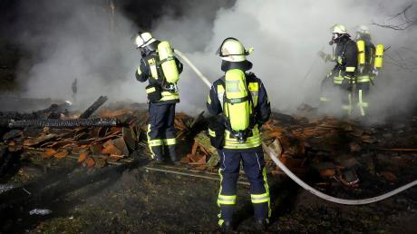 Dreimal hat es am Donnerstag beziehungsweise in der Nacht auf Freitag im Landkreis Landsberg gebrannt. Bei Dießen ging eine Feldscheune in Flammen auf.
