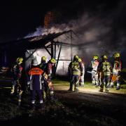 Erneut hat im Landkreis Landsberg ein Feldstadel gebrannt, diesmal in Leeder.