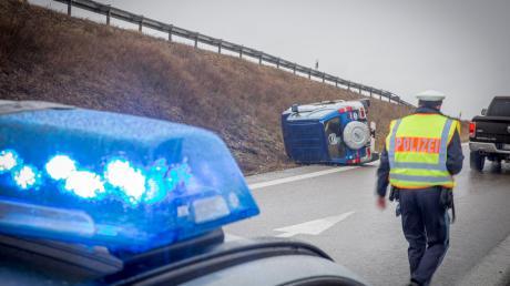 An der Auffahrt zur A96 im Landsberger Westen hat sich am Freitag ein Verkehrsunfall ereignet.